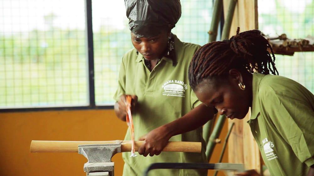 Ghana_Bamboo_Bikes trabajadoras