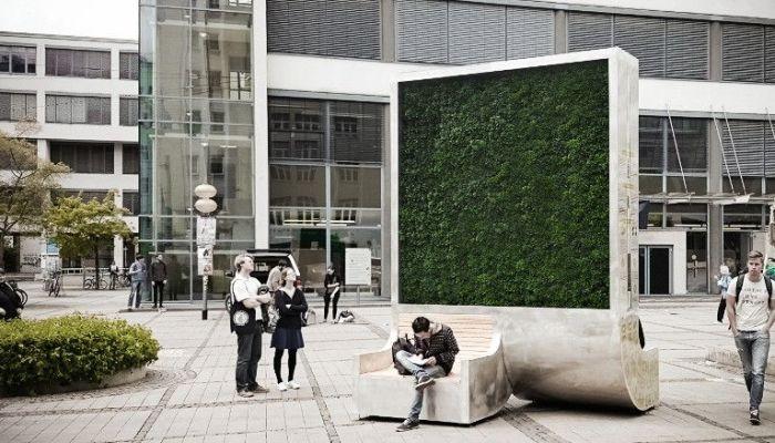 CityTree, un 'árbol' urbano autónomo que limpia tanto aire contaminado como un bosque entero