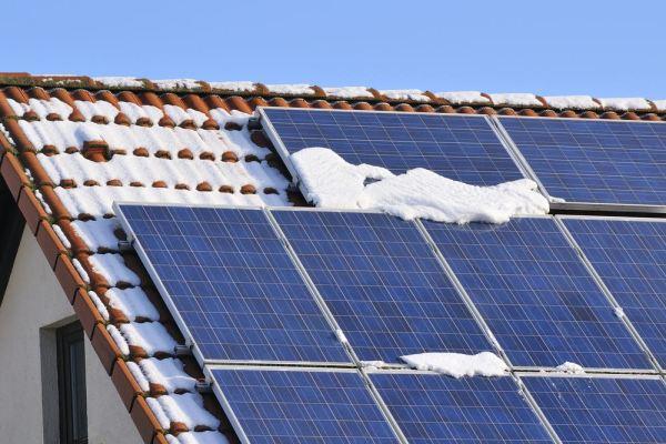 Placas-solares-nieve
