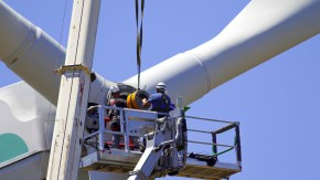 Renewable Energy Forum Talks Jobs