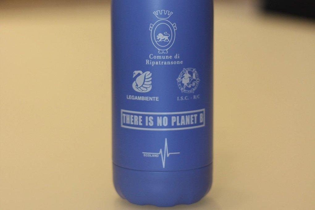 prodotti ecologici ecoland.it bottiglia termica riutilizzabile legambiente istituto comprensivo