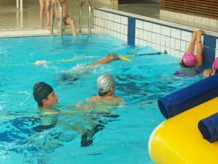 Activité piscine pour les CE2-CM1 !