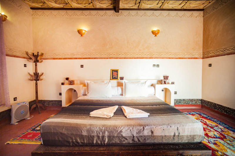 Ecolodge lile de Ouarzazate king size bed.