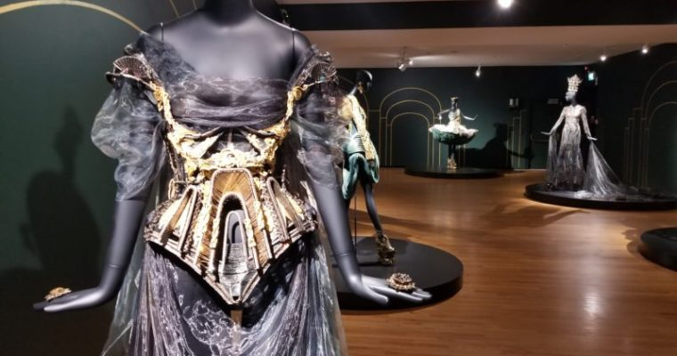 Couture Beyond: Close-up of the Genius of Guo Pei [PHOTOS]