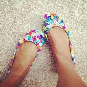 zapatos con botones
