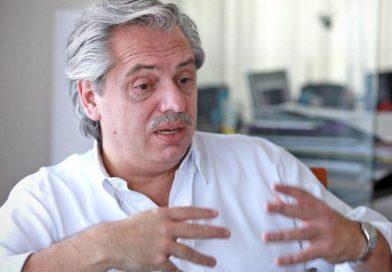 """Alberto Fernández: """"Nicolás Dujovne dejó al país envuelto en una crisis"""""""