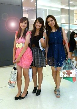 Girls shopping in Bangkok.