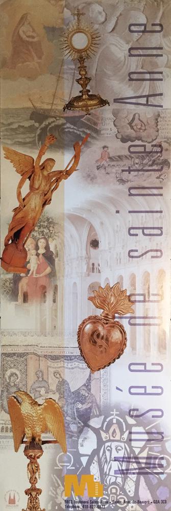 Dans le cadre de la création du Musée de Sainte-Anne, j'ai eu le mandat de créer l'identité visuelle et l'affiche de l'ouverture du musée. Cette affiche a aussi été déclinée en carton d'invitation. À cette occasion, j'ai aussi travaillé sur la signalisation du musée.