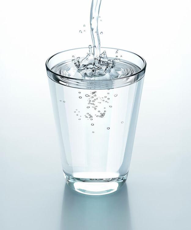 Почему нельзя пить воду одновременно с приемом пищи или сразу после него