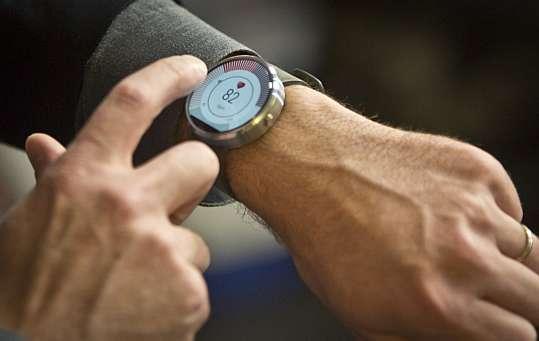 Relógio inteligente da Motorola (Foto: AP)