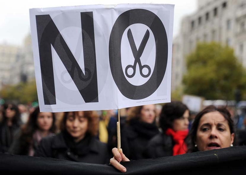 Austerity- perché il debito aumenta nonostante i tagli?