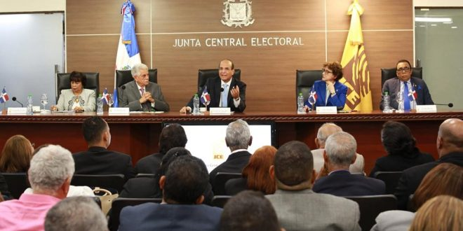 Pleno JCE convoca a elecciones a representantes de la comunidad dominicana en el exterior