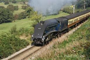 LNER class A4 4-6-2 pacific steam locomotive 60007 Sir Nigel Gresley
