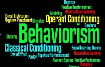 Adolfo Castilla escribiendo sobre behaviorismo