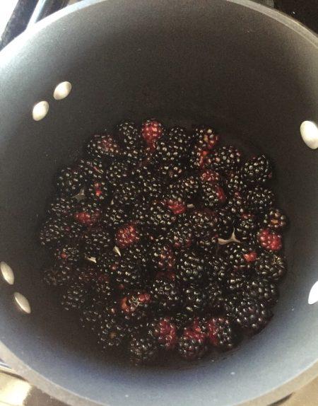 Homemade Pop Tarts Blackberries