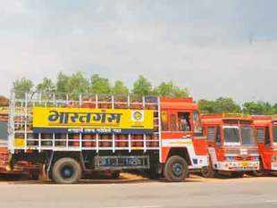 Govt is likely to order oil refineries, including private sector Reliance Industries andEssarOil, to maintain a minimum level of LPG production.