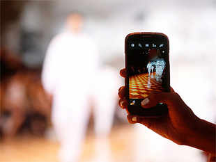 According to IDC, the Indian smartphone market could top 160 million units by 2018, driven mainly by consumers switching from feature phones to smartphones.