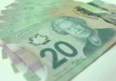 argent canadien budget