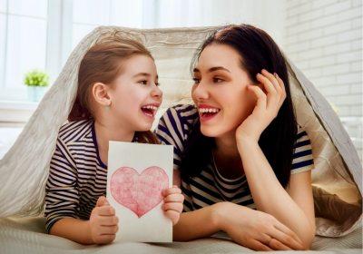 mère-fille récompenser enfant
