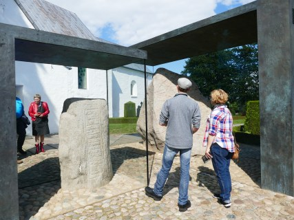 Discussing the Jelling rune stone