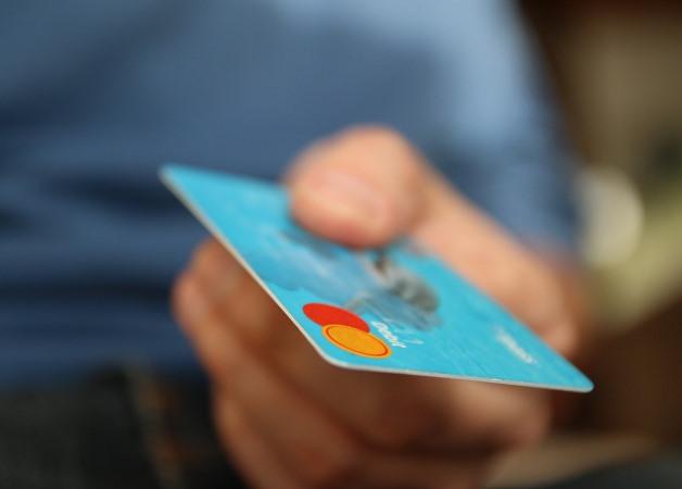 Cum sa faci cumparaturi online cu cardul
