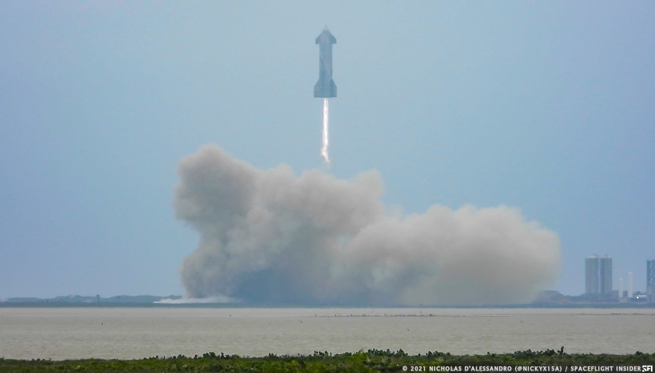 SPACEX'S STARSHIP SN15 LANDS SUCCESSFULLY!