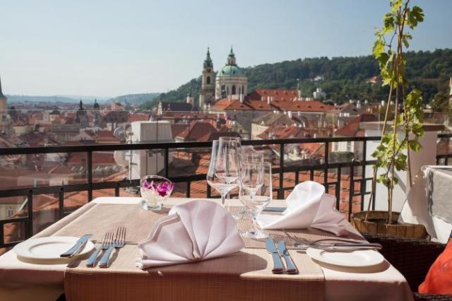 Les restaurateurs et hôteliers eu République Tchèque peinent à récruter