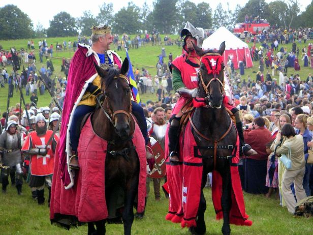Les participants portent les costumes historiques pour la reconstitution de la bataille de Grunwald, l'une des plus importantes bataille médiévale en Europe