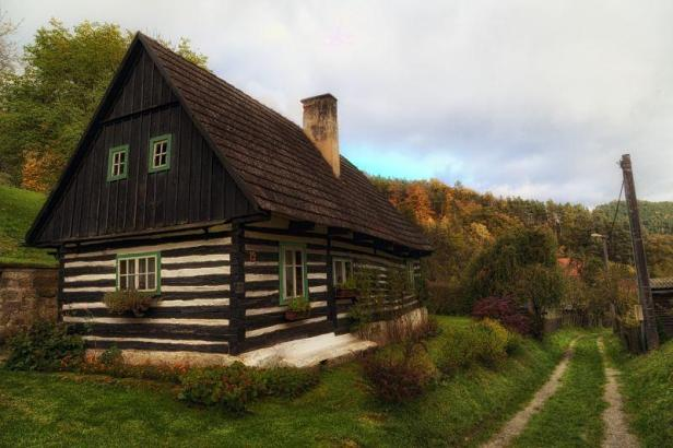 beautiful-traditional-house-czech-republic