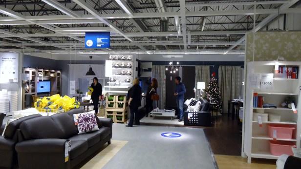 «IKEA a confirmé sa volonté de contribuer à une vie meilleure en Ukraine en apportant des solutions et des produits d'ameublement abordables à de nombreuses personnes»