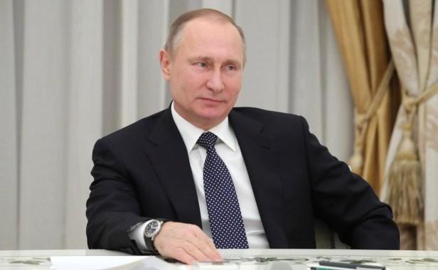 vladimir-putin-meeting-buisiness-representatives