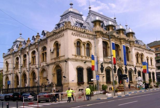 craiova-town-hall