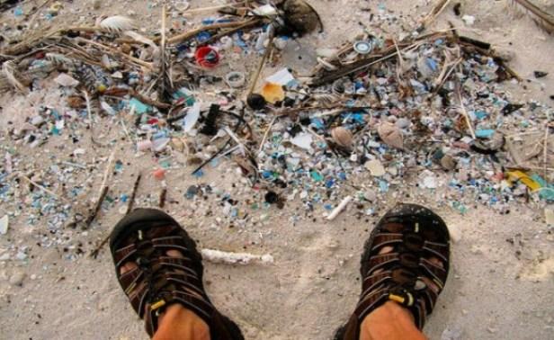 Mais comment le plastique pénètre-t-il réellement dans nos océans?