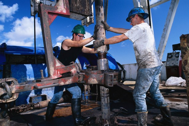 Forage de pétrole - un métier difficile qui rapporte plus que la moyenne