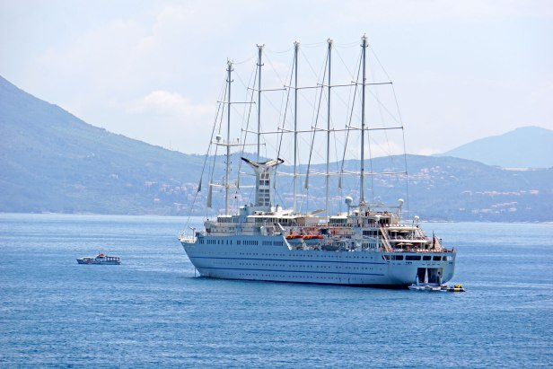 Cruise-Ship-Wind-Surf