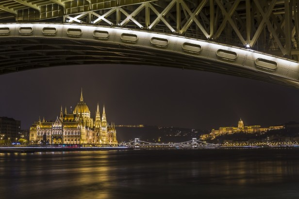budapest-danube-river-night-1200x800_c