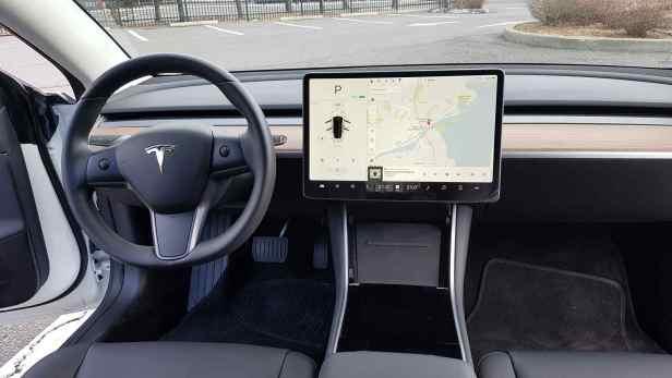 Tesla-model-3-18
