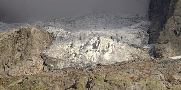 un-glacier-du-mont-blanc-menace-de-s-effondrer-cote-italien