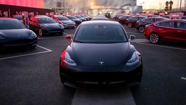 tesla-model-3-delivery-event