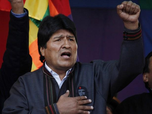 En Bolivie, le gouvernement intérimaire a repris l'entreprise officielle. De nouvelles élections devraient avoir lieu l'année prochaine.