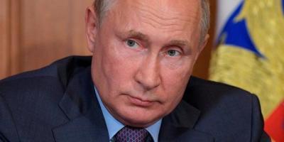 En fait, la Russie est officiellement une démocratie - mais le pays seul détermine le cours du pays.