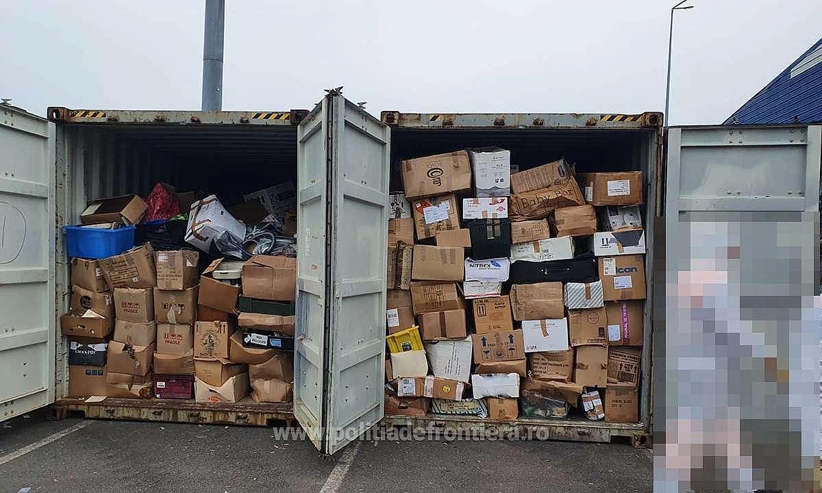 Enquête ouverte après 16 conteneurs de déchets trouvés dans un port roumain