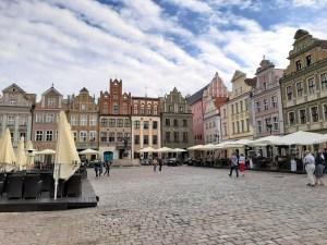 La Pologne signale 4706 nouveaux cas de coronavirus, 98 décès supplémentaires