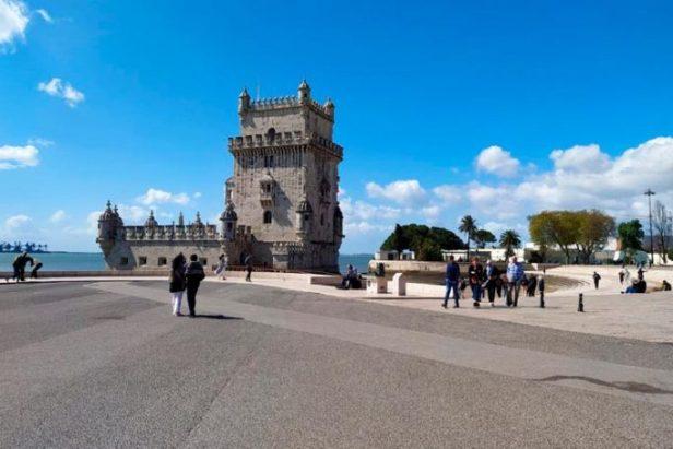 Dernières nouvelles: le Portugal devient le dernier pays à interdire les voyages à l'étranger