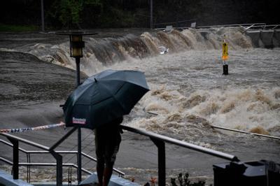 Australie évacuations sur la côte Est après des crues et des pluies record