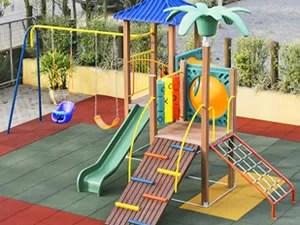 Playgrounds de Madeira Plástica