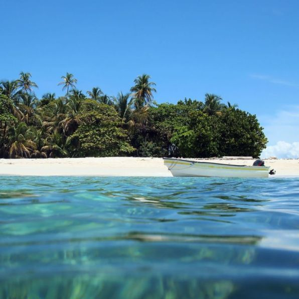 Panama-bocas-del-toro-beach-island - 1024 x 768