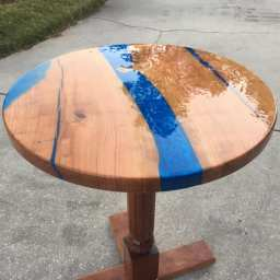 Beautiful finished DIY epoxy river table!