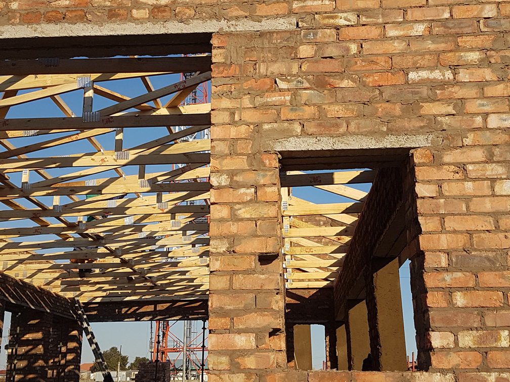 Exposed roof trusses erection
