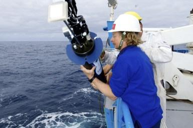 putting argo robot overboard